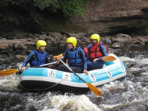 08-July-Muir-SSkate-Group-Rafting-Trip-in-the-rapids.jpg